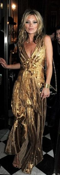 Kate Moss in gold metallic evening gown. ♥