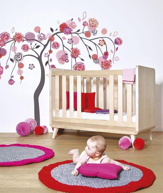 Sticker arbre rose et rouge décoration chambre enfant fille