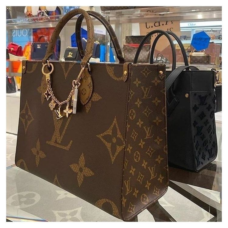 Louis Vuitton Onthego Tote Bag In 2021 Louis Vuitton Louis Vuitton Handbags Neverfull Vuitton Bag