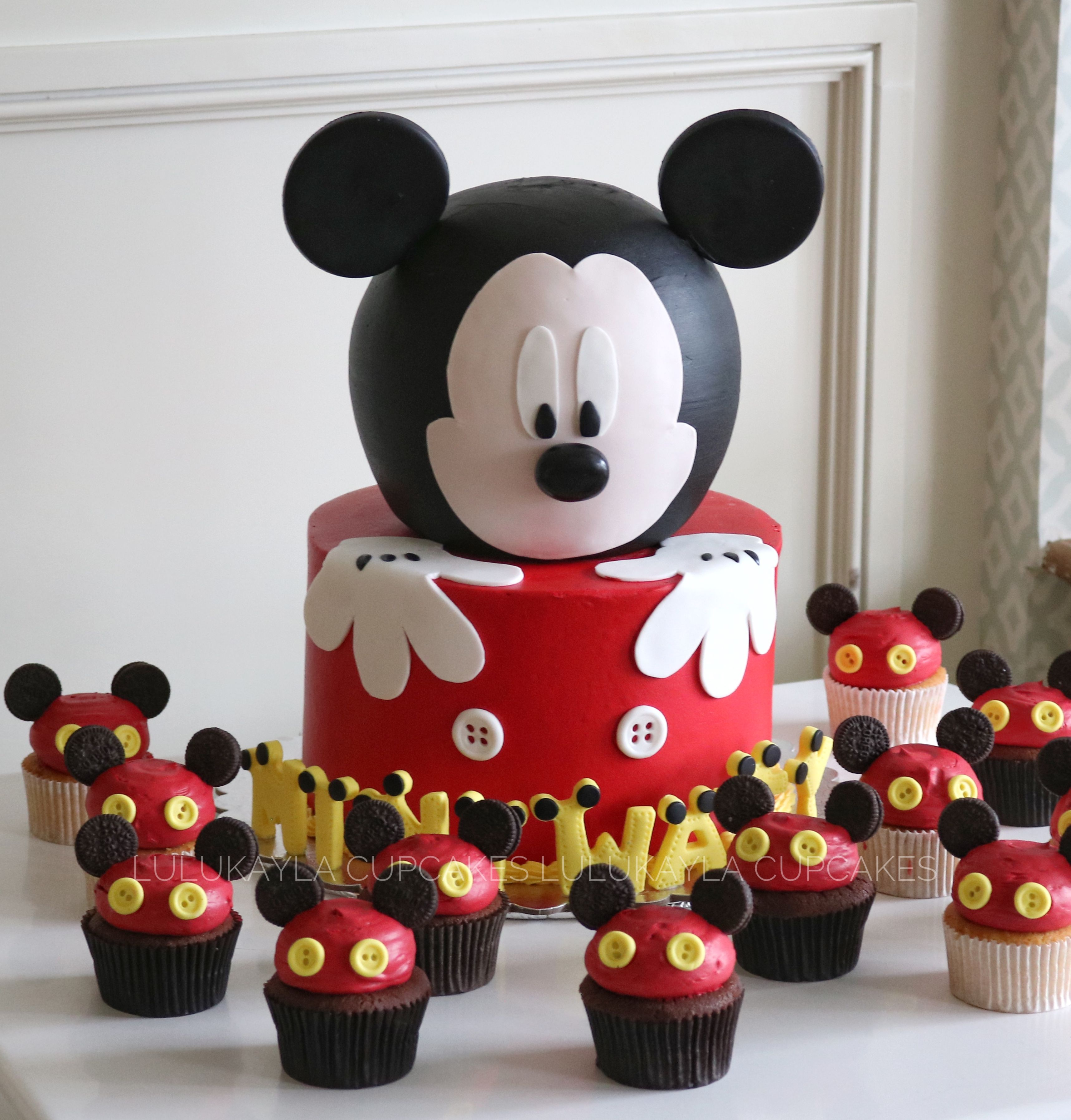 Awesome Mickey Mouse Cake And Cupcake Mickey Mouse Cake Mickey Mouse Funny Birthday Cards Online Inifofree Goldxyz