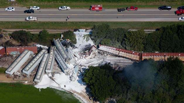 2 dead, 2 hurt in Arkansas freight train collision - MSN NEWS #Arkansas, #Train, #Collision