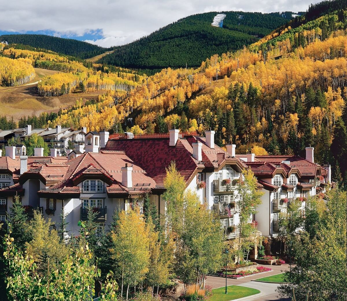 Cozy hotels vail hotels mountain resort lodge at vail