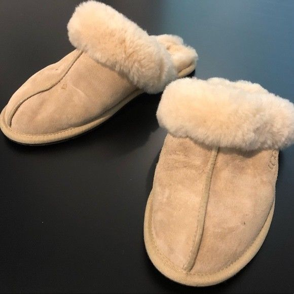 5aed2714577 Ugg Womens Coquette Light Cream Tan slippers size 6 Fur Soft Winter ...