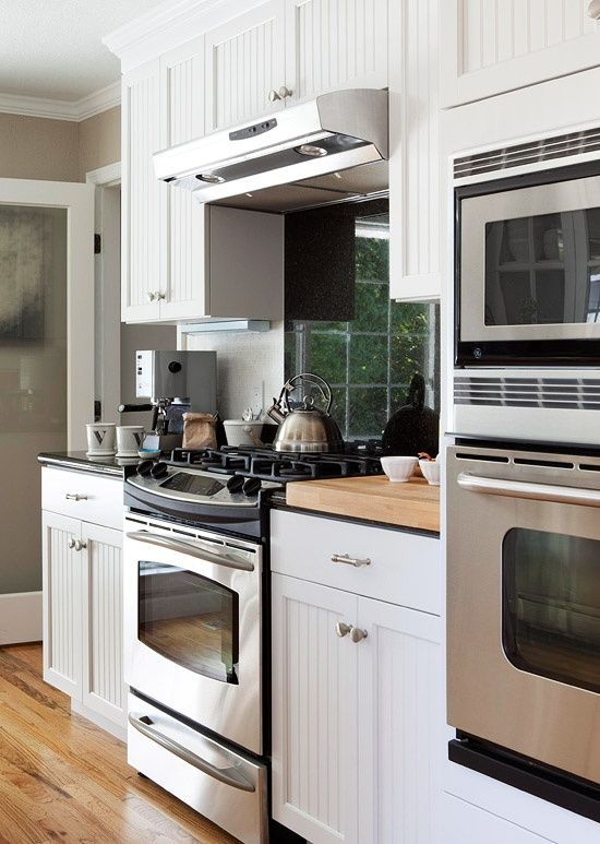Small Sunny Kitchen Wall Oven Kitchen Kitchen Remodel Small