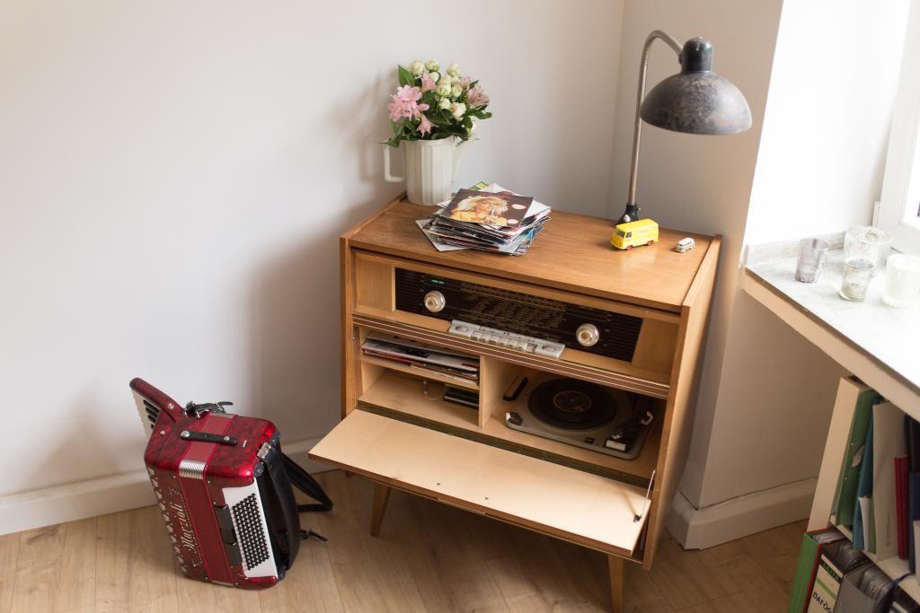 Schöne Ecke Für Musik Im Wohnzimmer: Vintage Radio. #Wohnzimmer #Möbel #