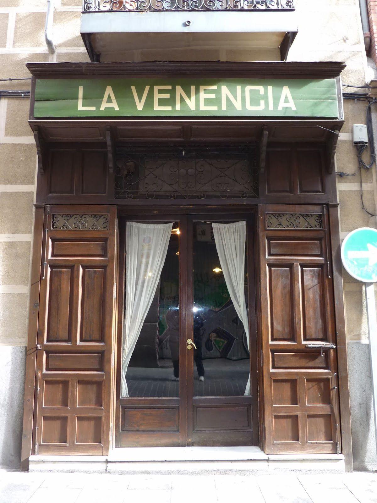 La Venencia Está En La Calle Echegaray 7 Un Poco De Historia La Venencia Fue Fundada En 1922 Comenta Edificios Antiguos Fachadas Edificios Cubiertas De Bar