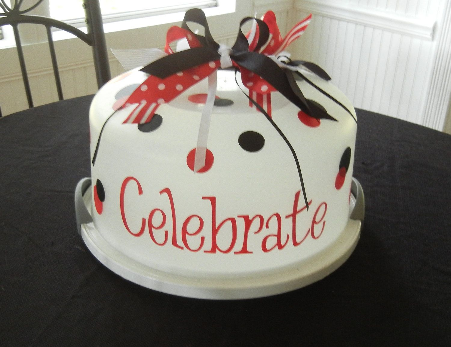 Personalized Cake Carrier. $15.00 via Etsy. & Personalized Cake Carrier. $15.00 via Etsy. | Cricut | Pinterest ...