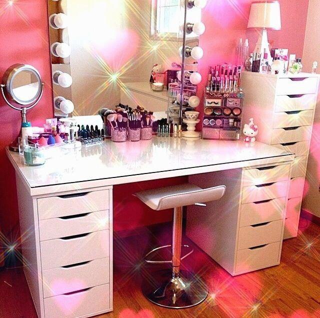 22 Nouvelle vanité de maquillage avec tiroirs Ikea - makeup vanity #Rangements #Maquillage # ...