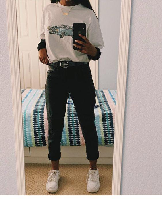 Black pants, belt and sneakers | Inspiring Ladies #edgyoutfits