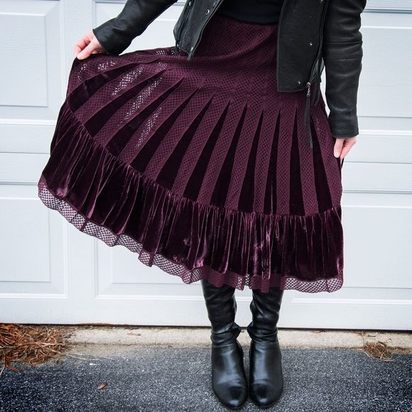 Free People Velvet Skirt Great velvet skirt that's been unworn for years. The tag has come off on one side, but otherwise I cant see any wear. Meant to be worn on the hips, a little big in my experience. Free People Skirts Midi