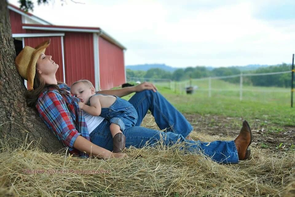 Love everything about this picture breastfeeding