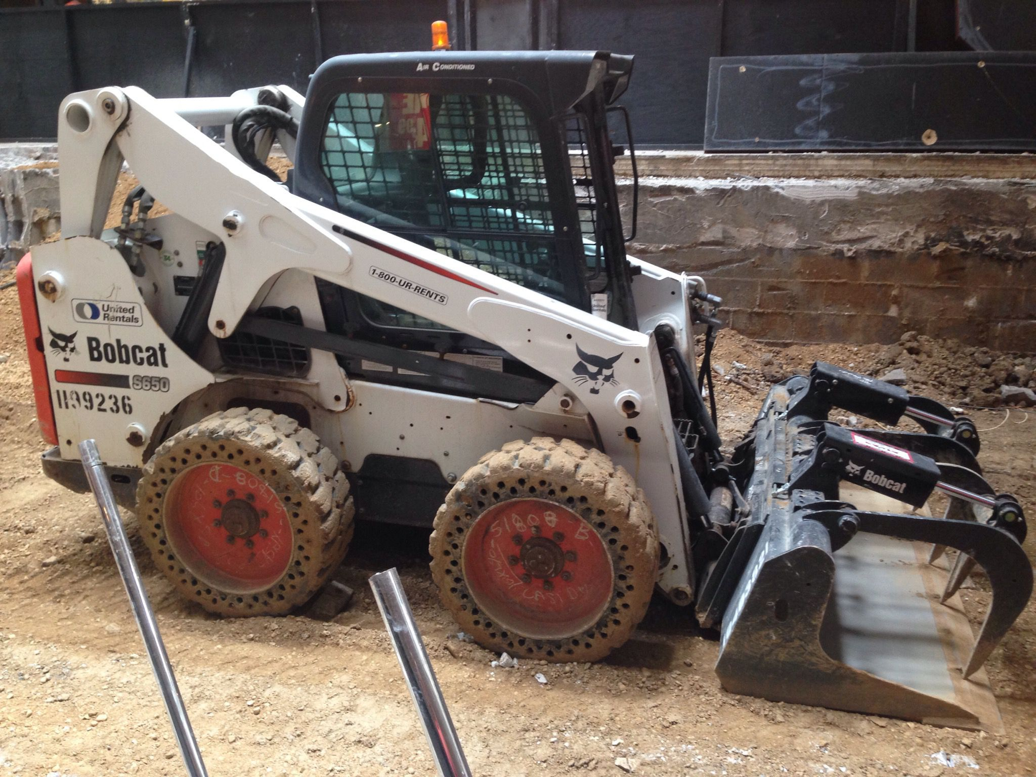 How to Choose the Right Size of SkidSteer Loader Bobcat