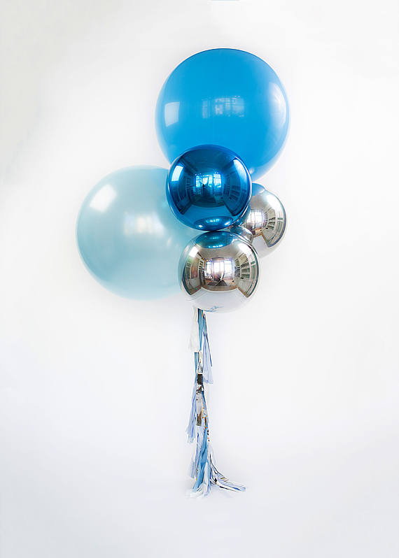 Balloon bouquet with tassels giant blue balloons w foil