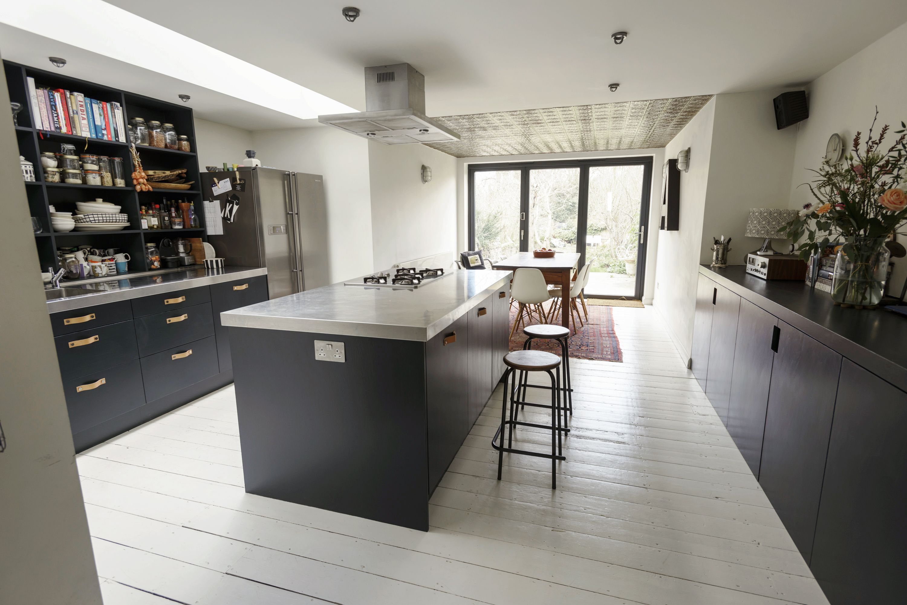 Best White Floorboards And Black Kitchen Cupboards Farrow And 400 x 300