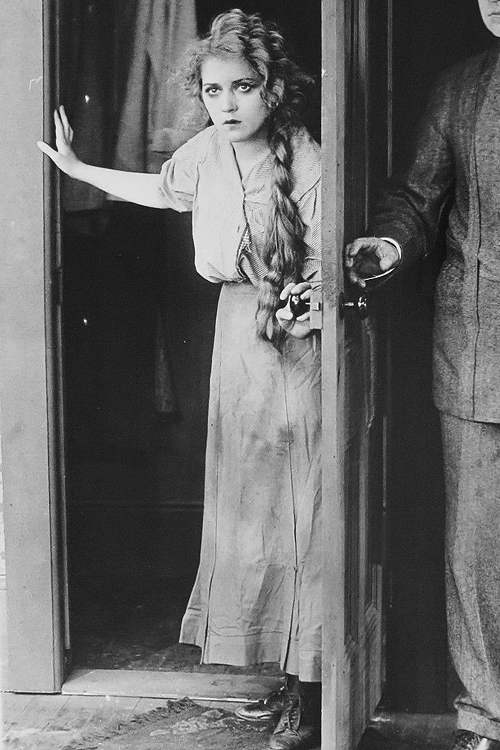 marypickfords: Mary Pickford in In The Bishop's Carriage (1913) | Mary pickford, Pickford ...