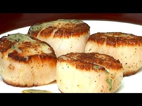 How to Saute Scallops With Wine, Butter & Garlic : Entree Recipes - YouTube