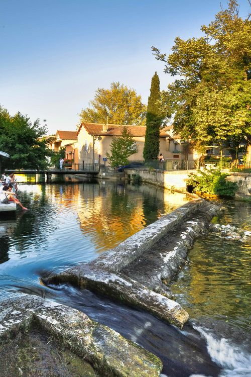l isle sur la sorgue provence france a beautiful charming town in the beautiful provence. Black Bedroom Furniture Sets. Home Design Ideas