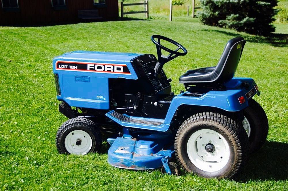 Ford Lgt 18h Garden Tractor Old Garden Tools Old Tractors