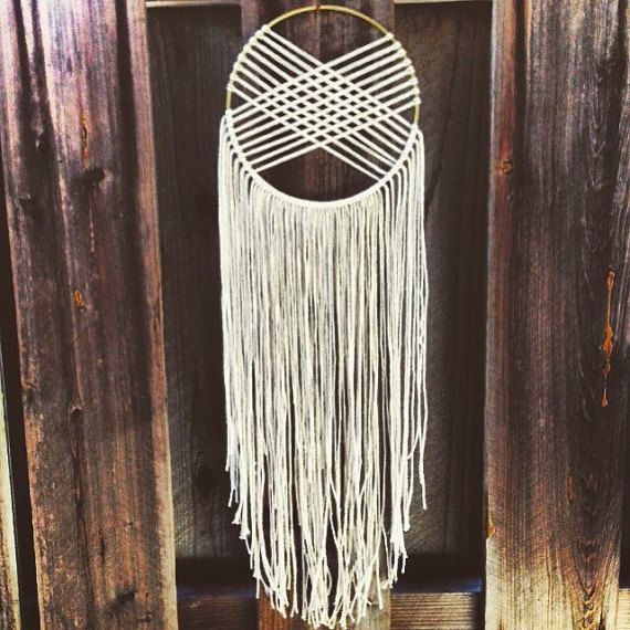 round woven macrame wall hanging dreamcatcher ivory gold macram attrape et d co. Black Bedroom Furniture Sets. Home Design Ideas
