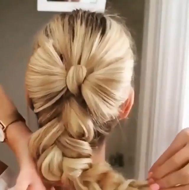 Einfache und schnelle Frisur Einfache und schnelle Frisur
