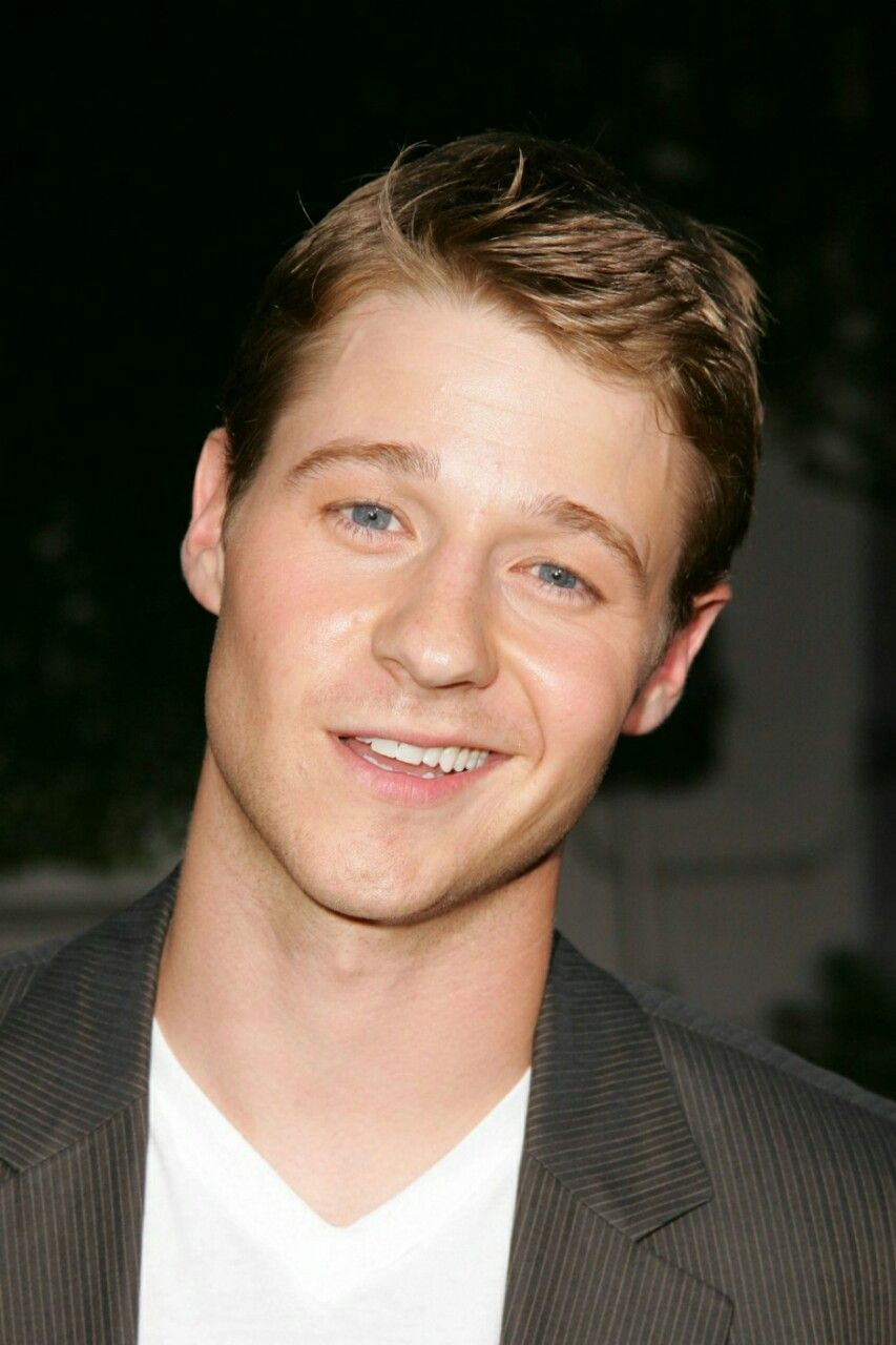 Is ben mckenzie gay