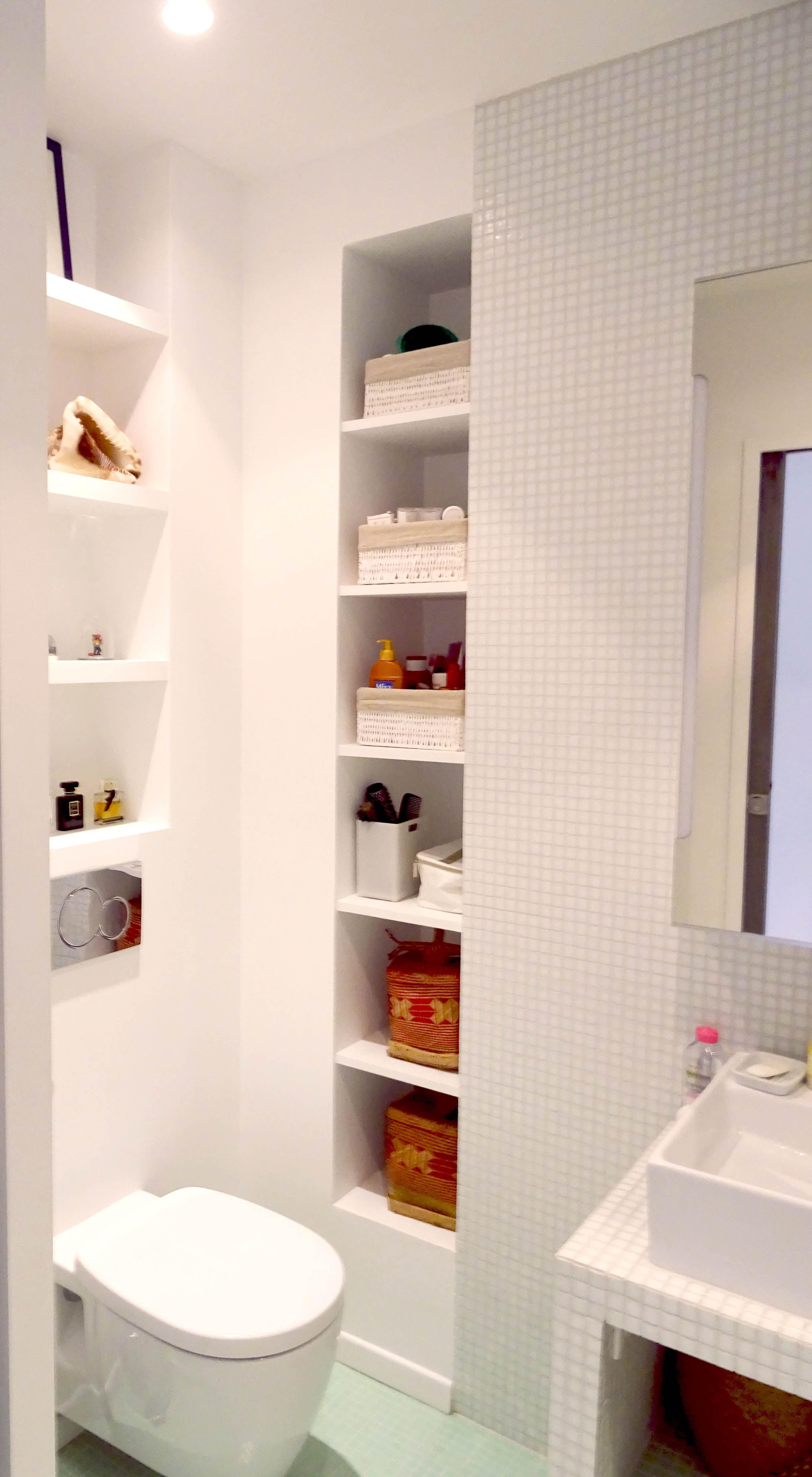 Salle De Bain Beige Meuble Taupe ~ Optimisation D Une Petite Salle De Bain Dans Un Projet Parisien