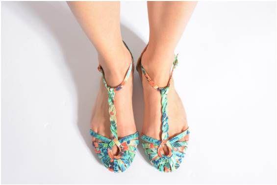 Et Sandales Chaussures Vue Refresh Monica Portées Nu Pieds NwOvm8n0