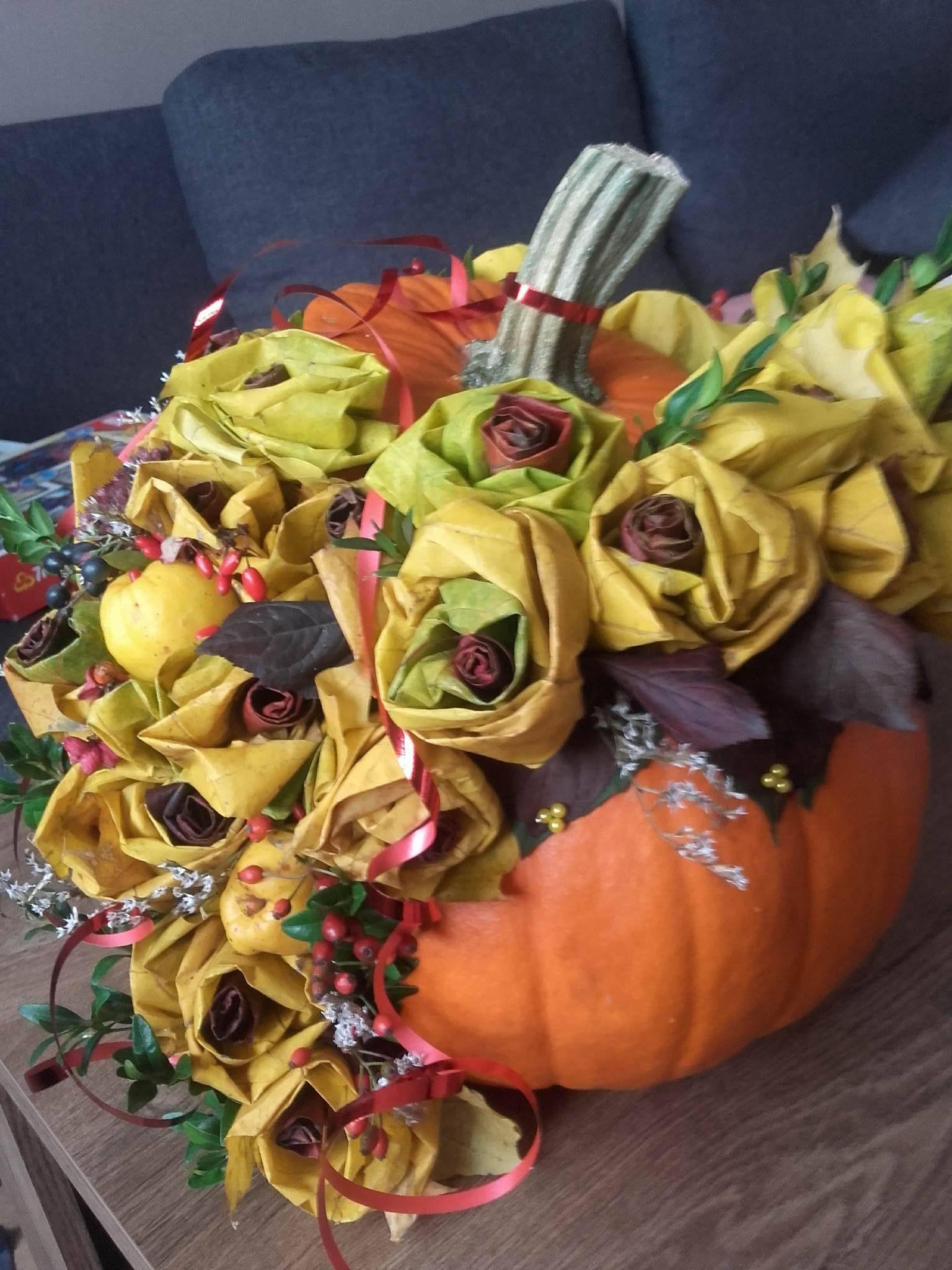 Bukiet Z Lisci W Dyni Pumpkin Vegetables Autumn