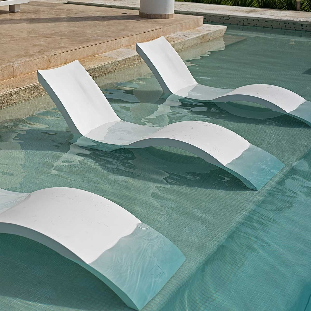 In Pool Chaise Deep Ledge Lounger Pool Chaise Tanning Ledge Pool Pool Designs