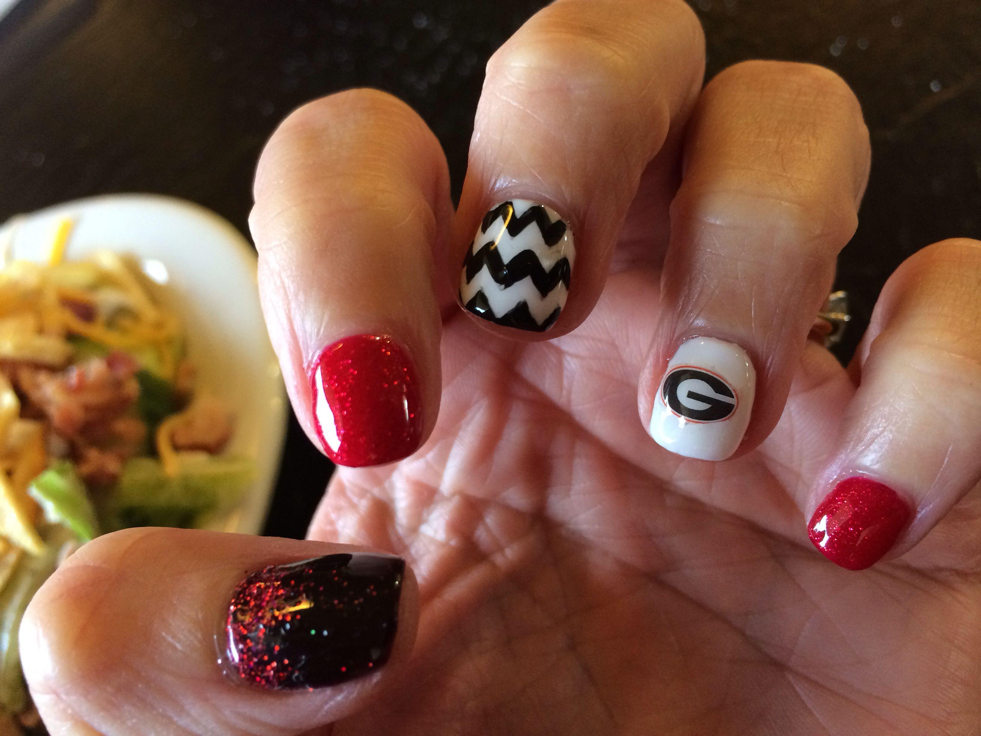 GA bulldog nail art #nailsbyjennylynn | Nails | Pinterest | Football ...