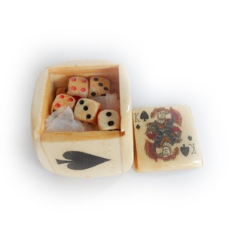 Scrimshaw Bone Dice Shaker Cup Card Game Hand Carved Miniature Bone Dice In 2020
