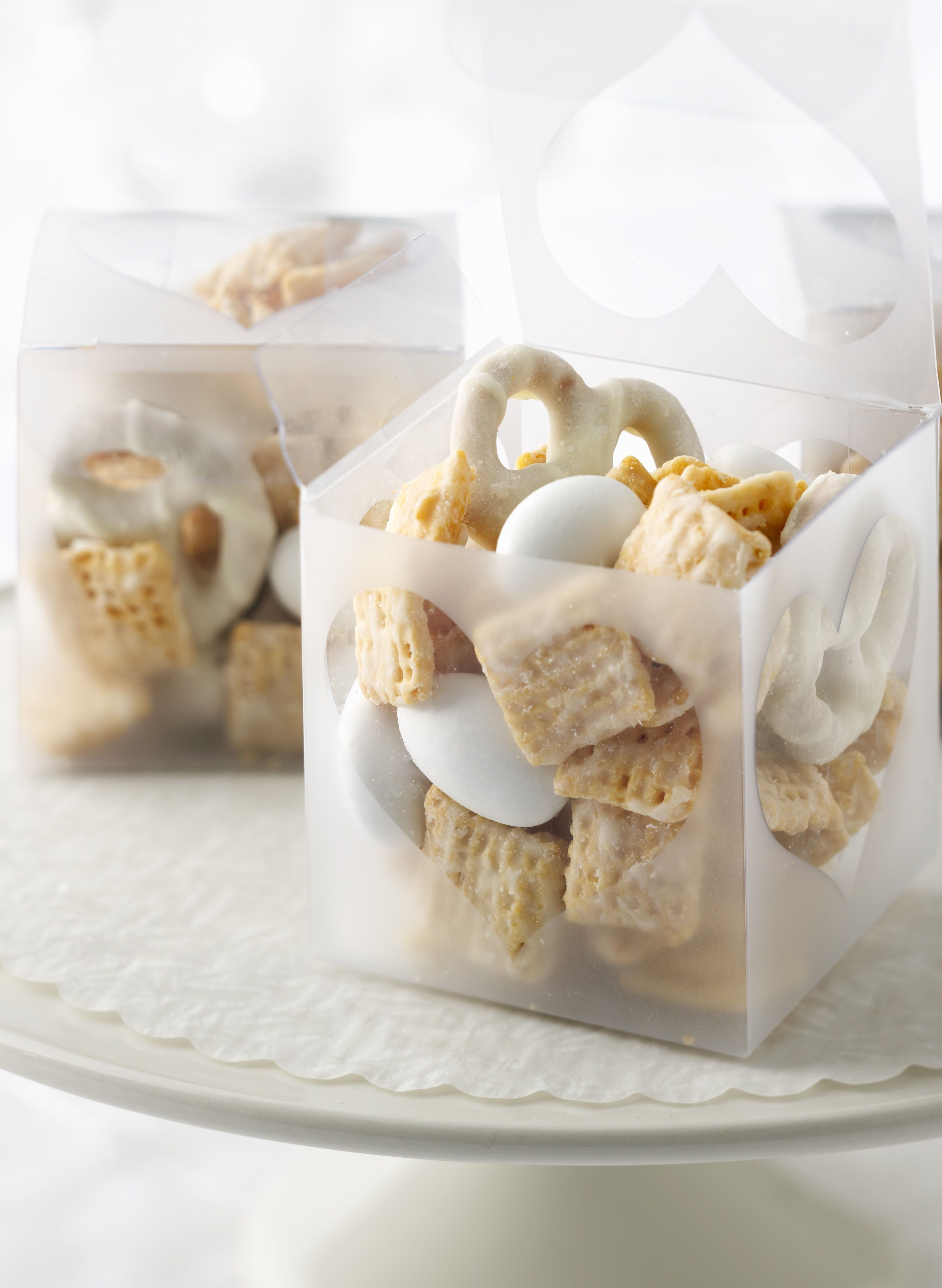 White Chocolate Wedding Chex Mix - a quick recipe & simple wow for ...