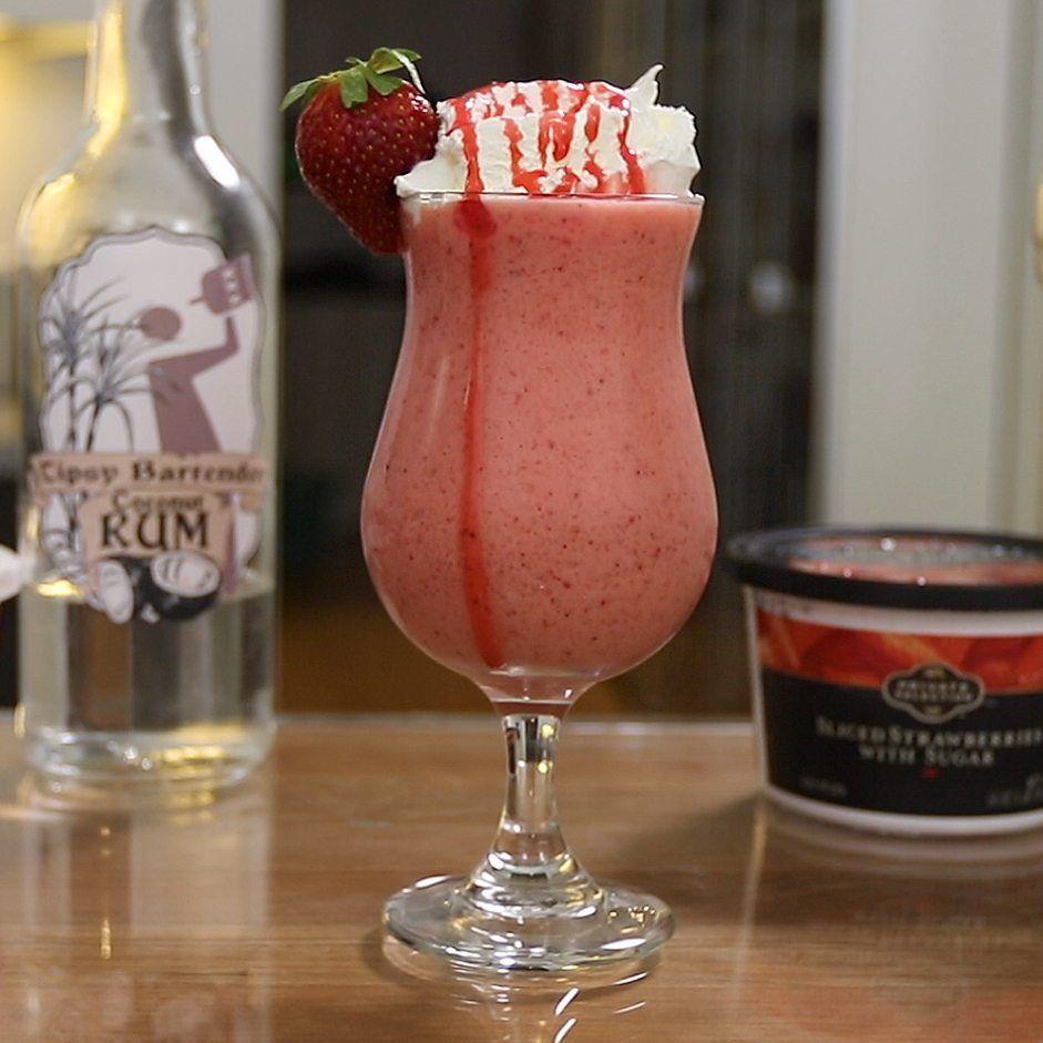 Creamy strawberry daiquiri tipsy bartender recipe
