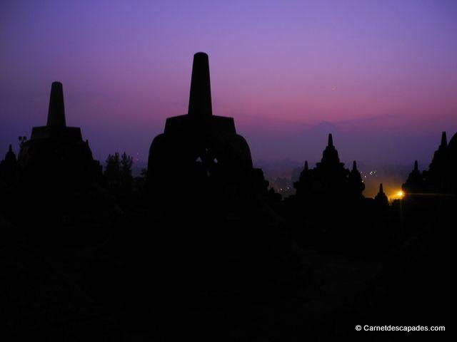 Lever de soleil-Borobudur-Java