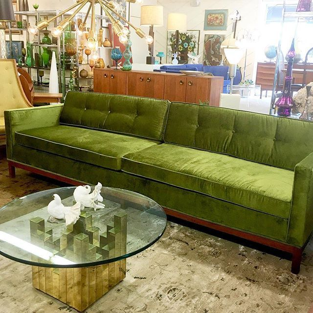 Sofa Homedecor Velvet On Instagram In 2020 Vintage Couch Vintage Sofa Beautiful Sofas