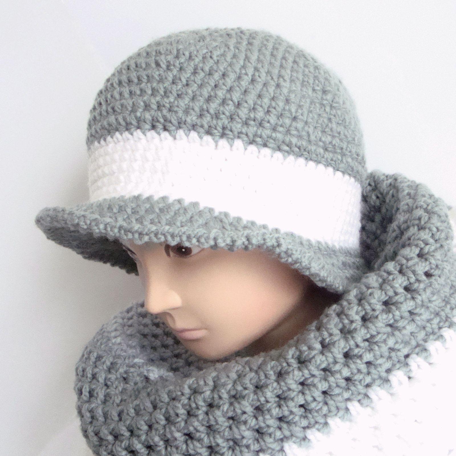 Háčkovaný klobouk Klobouk je uháčkovaný ze silnější a7ad5708e2