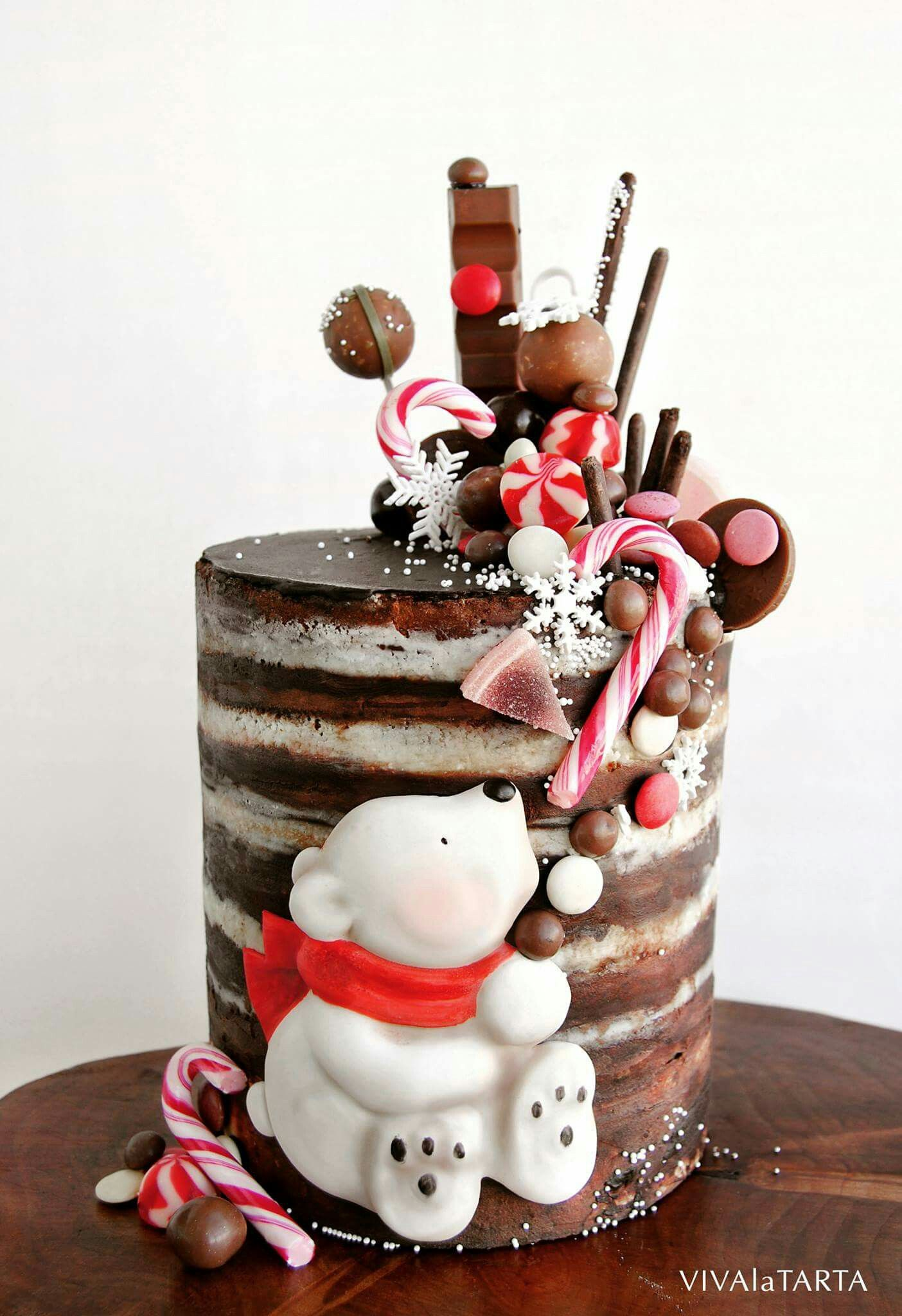 Christmas Cake Decorating Ideas Without Fondant : I m thinking this could be turned into a drip cake very ...