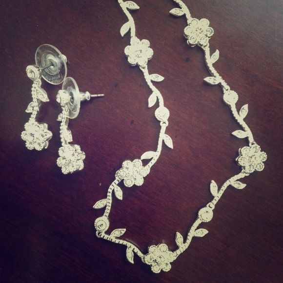 """silver faux """"diamond"""" necklace & earrings Very sparkly flowers with leaves off vines in between each flower.  Very pretty, perfect to dress up an outfit for a wedding of other fun event!! Jewelry Earrings"""