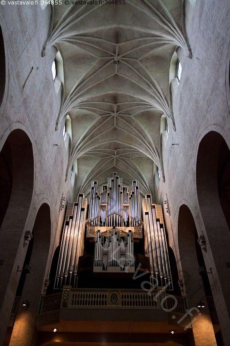 Tuomiokirkon urut - Turku Tuomiokirkko pääurut urku kirkko arkkitehtuuri keskiaika keskilaiva
