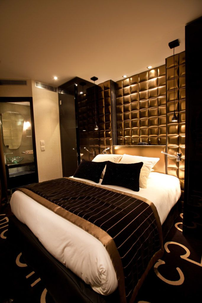 15 Luxurious Black And Gold Bedrooms With Images Luxury