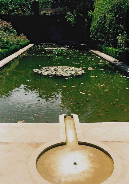 Jardin hispanoarabe 47 bassins miroirs d 39 eau water miror jardins miroir et miroir d 39 eau - Miroir de jardin ...
