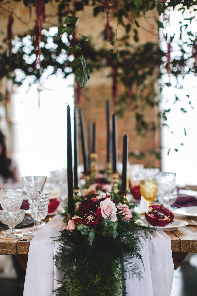 How To Have A Gothic Wedding That S Modern And Elegant Wedding