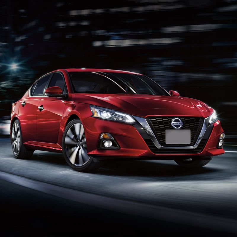 Drive The Nissan Altima In Dubai For Only Aed 199 Day Aed 3300 Month This Sedan Fits 5 Passengers And 1 Medium Sized B Nissan Altima Altima Dubai Cars