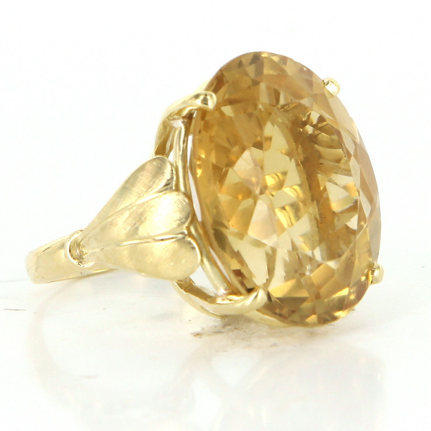 Vintage 30ct Golden Topaz 18 Karat Yellow Gold Cocktail Ring