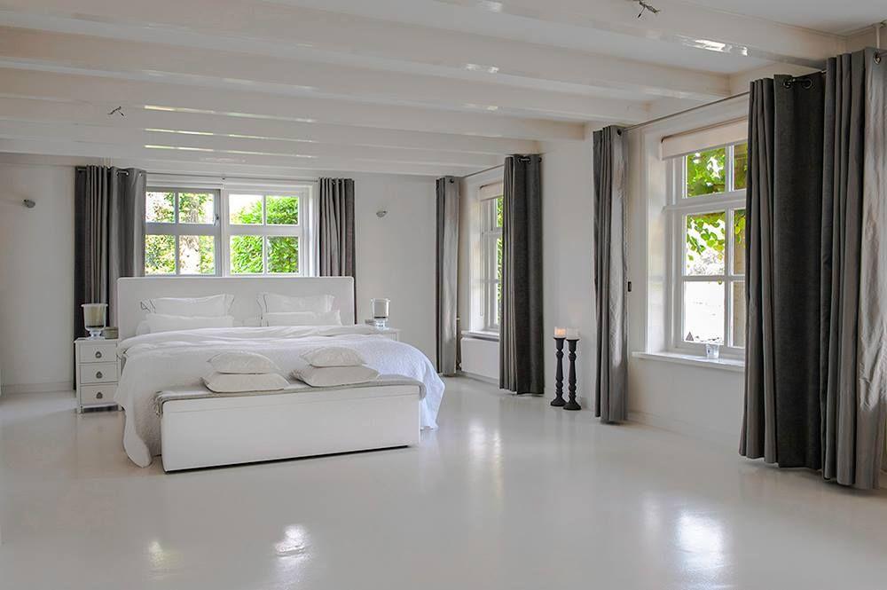 Gietvloer slaapkamer wit #gietvloer #slaapkamer #wit #france
