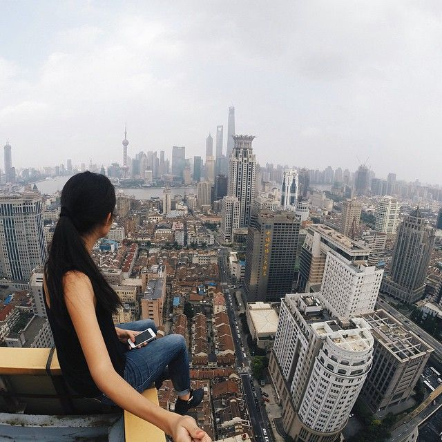 Amazing Hong Kong: 18 Terrifying Photos From The Top Of Skyscrapers