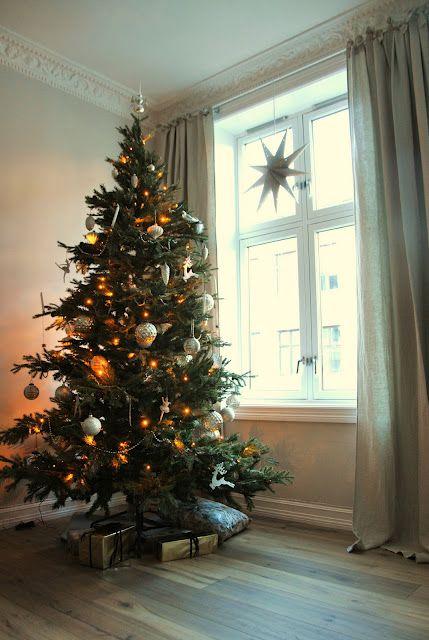 Elegant and simple Christmas tree.