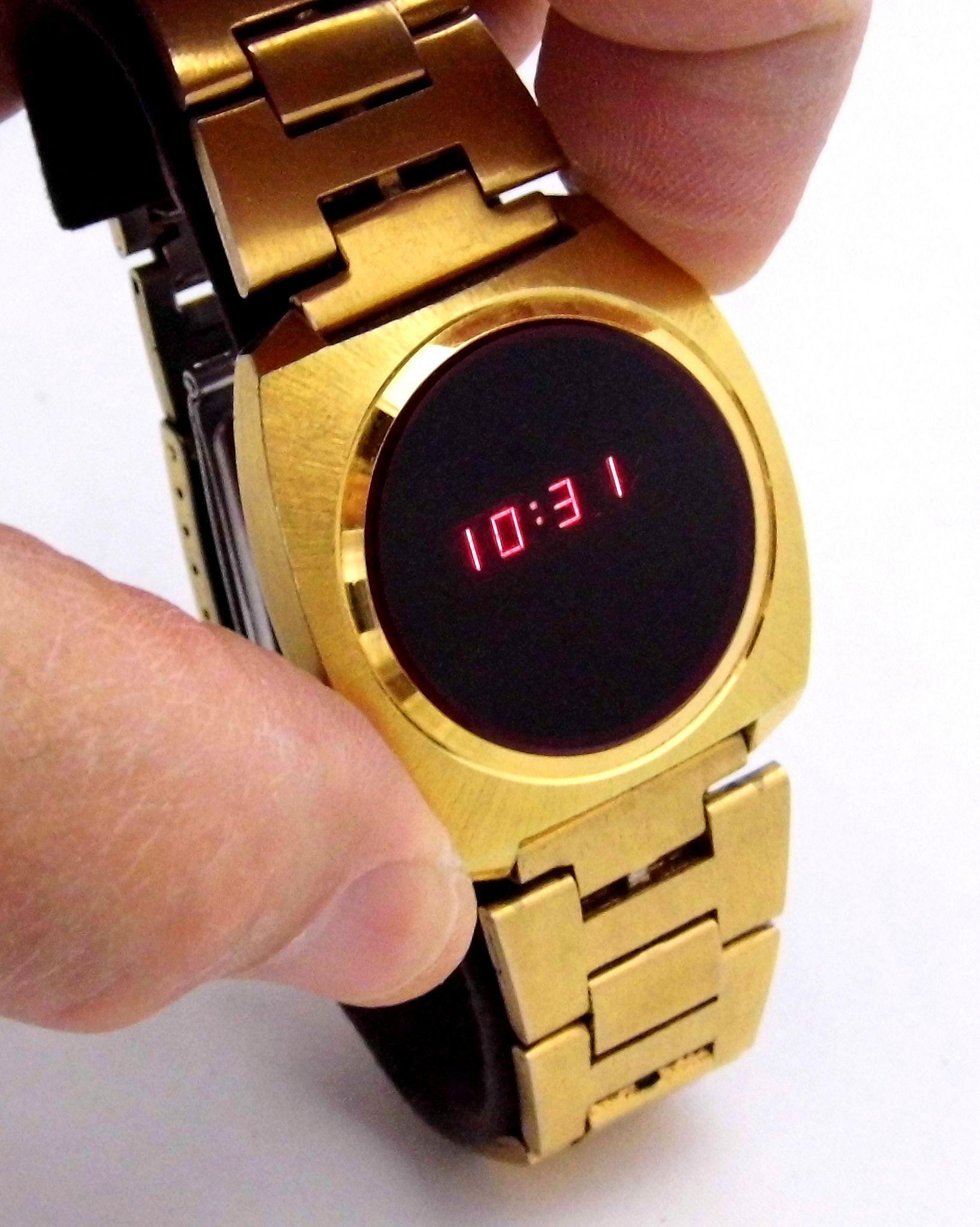 Vintage Mercury Digital Quartz Watch In Original Display Case Red