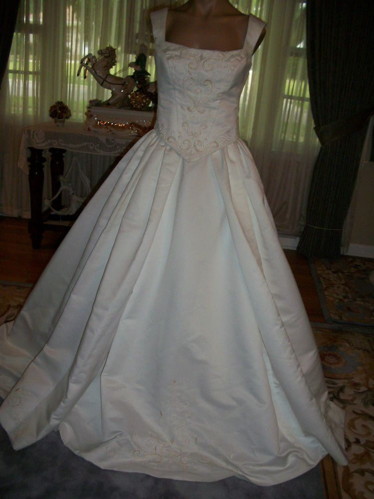 Ivory Embroidered 2 Piece Bridal Gown Wedding Dress Size 10 By