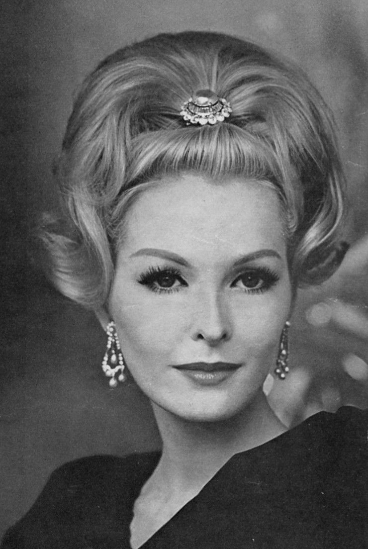 Pin By Rogersrae On 50 S And 60 S Hair Doos Vintage Hairstyles Hair Styles Retro Hairstyles